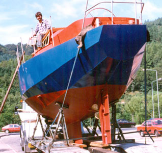 Laszlo Lipot load his boat on a low loader